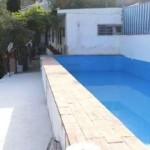 Huset har en privat pool