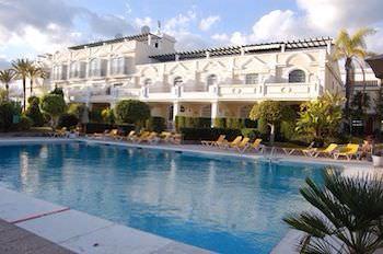 Lyxhus i Marbella Puerto Banus säljes till kraftigt rabatterat pris