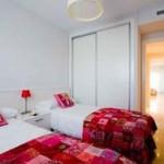 Sovrum med plats för två sängar