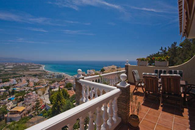 Lyxvilla Nerja – fenomenalt läge på hus till salu i Ladera del Mar