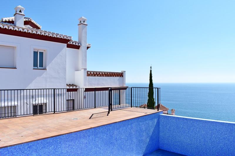 Nyproduktion av läcker villa med stor pool i Ladera del Mar 2 – Nerja