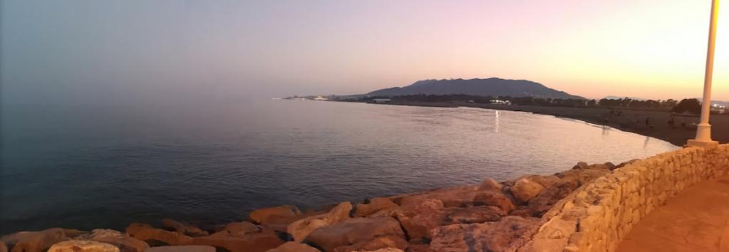 Vy över stranden Guadalmar Malaga Spanien