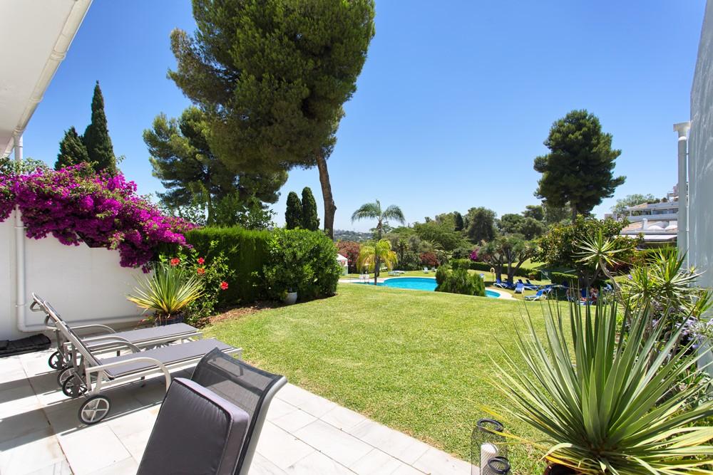 Lägenhet med 2 sovrum i Los Dragos Nueva Andalucia – padelbana etc